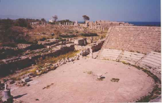 Руины колизея на острове Кипр