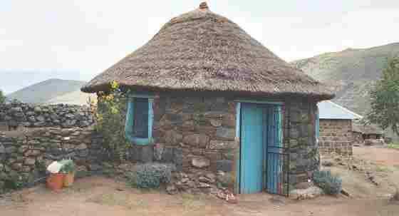 Деревенская хижина в стране Лесото