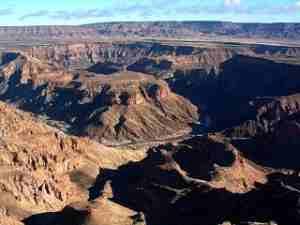Намибия. Гористая поверхность.
