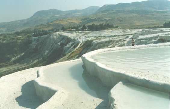Травертиновые террасы на горе Памуккале