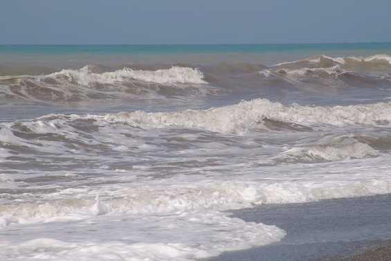 Тирренское море. Пеннистые волны