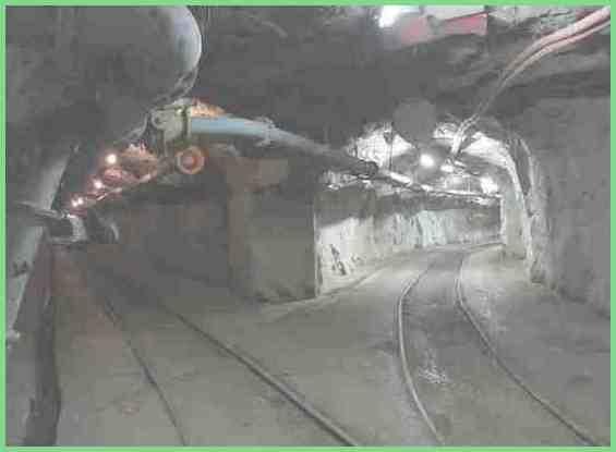 Железнодорожные пути внутри шахты Куллинан
