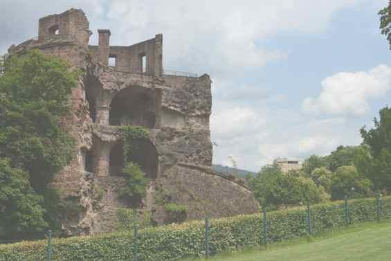 Германия. Город Хайдельберг. Впечатляющие руины