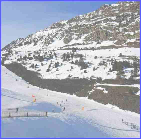 Андорра. Восхитительные заснеженные горные вершины