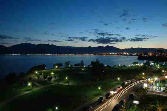 Город Анталья. Ночь