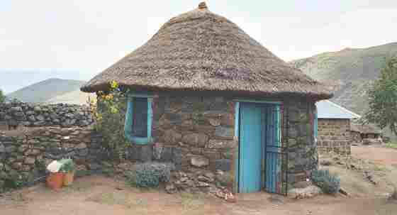 Деревенская хижина в небольшой стране Лесото