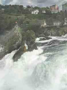 Водопад на реке Рейн