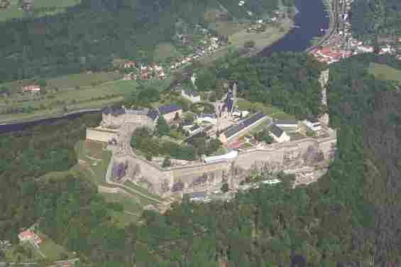 Вид сверху на крепость Кёнигштайн