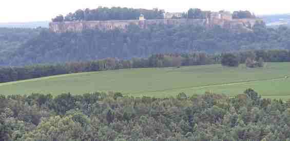 Вид с долины на крепость Кёнигштайн