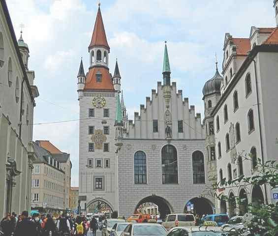 Город Мюнхен. Старая ратуша