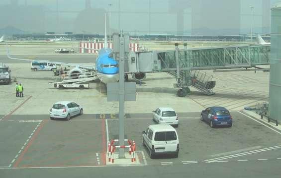 Автотранспорт в аэропорту  Барселоны