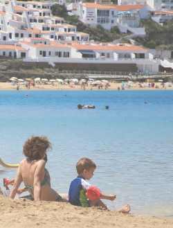 Пляж на острове Менорка