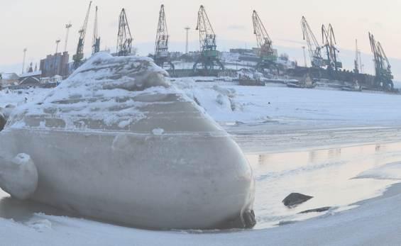 Кандалакша. Снежная зима в порту
